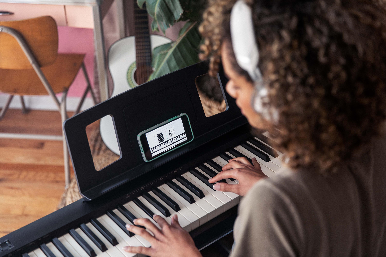 Roland FP-10 - Ett fantastiskt nybörjarpiano!